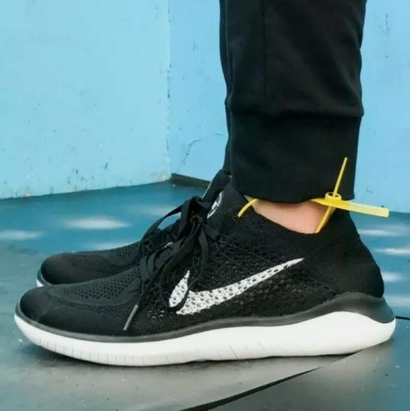 25 Mens Nike Free Rn Flyknit 218 Oreo